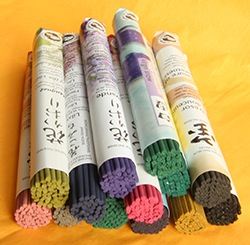 Les Encens du Monde - Japanese Incense short roll range
