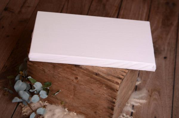 Colchón con funda blanco