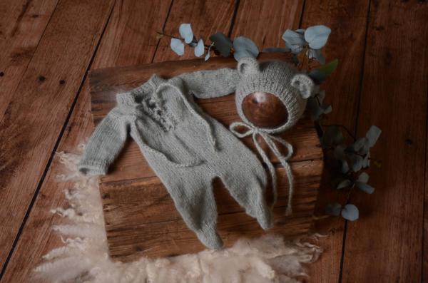 Pijama con gorrito de angora gris