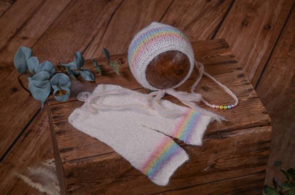Set aus Angora mit Mütze und Haarreif in Regenbogenfarbe