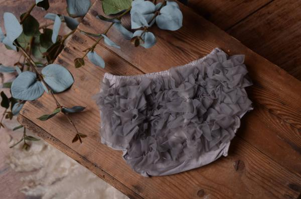 Light grey ruffled nappy-cover