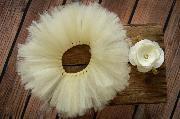 Set tutù in tulle e copricapo fiore bianco sporco
