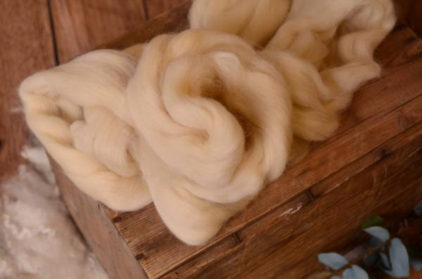 Beige combed wool