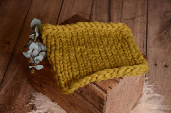 Olive green small plaited blanket