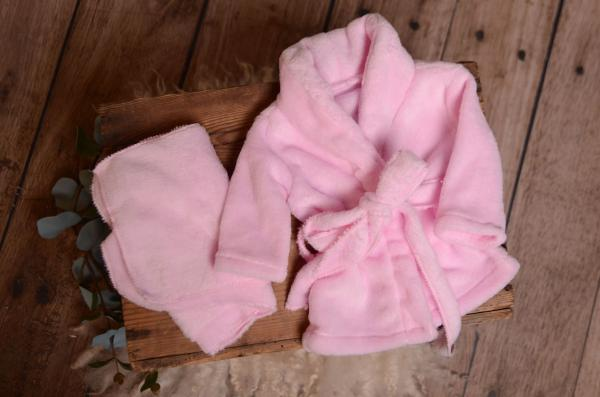 Pink bathrobe and towel