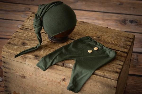 Pack de pantalón y gorro largo de punto con nudo verde botella