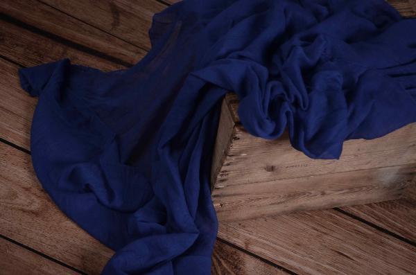 Wrap aus Musselin in Elektrik Blau