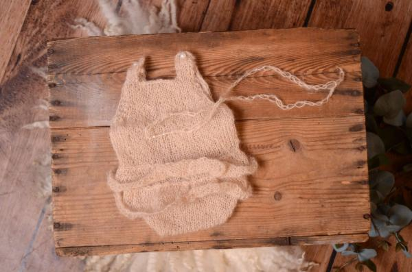 Beige ruffled mohair bodysuit and headband