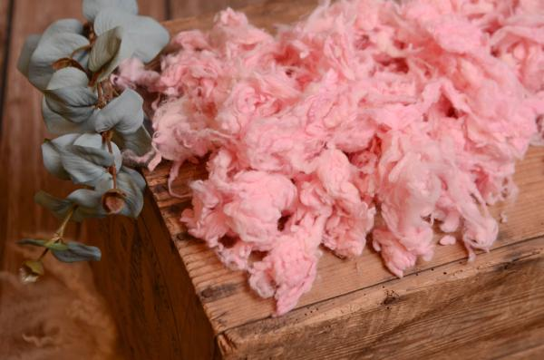 Pink loose wool