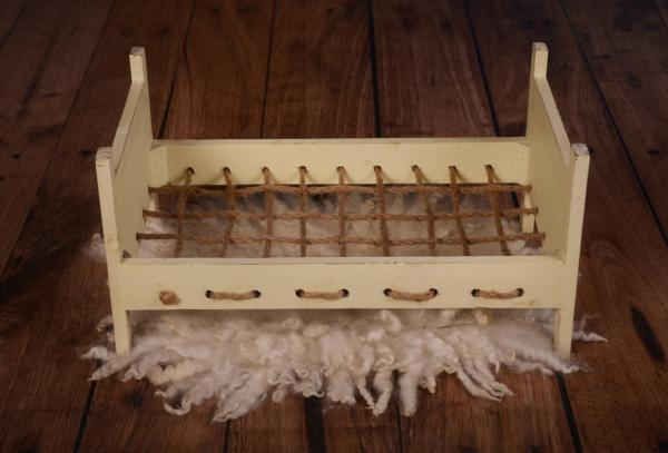 Vanilla bed with ropes