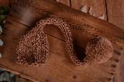 Bonnet long avec un pompon camel