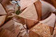 Fanion décoratif marron