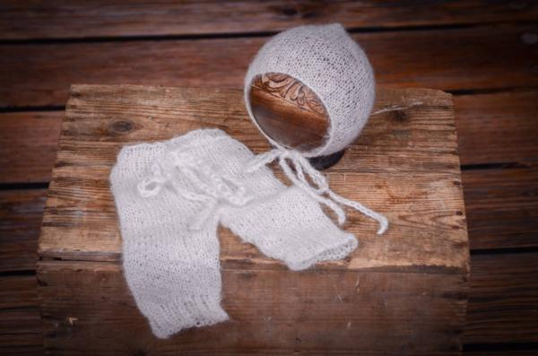 White adapted mohair pants and hat set