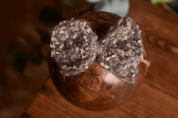 Grey mohair bow with rope
