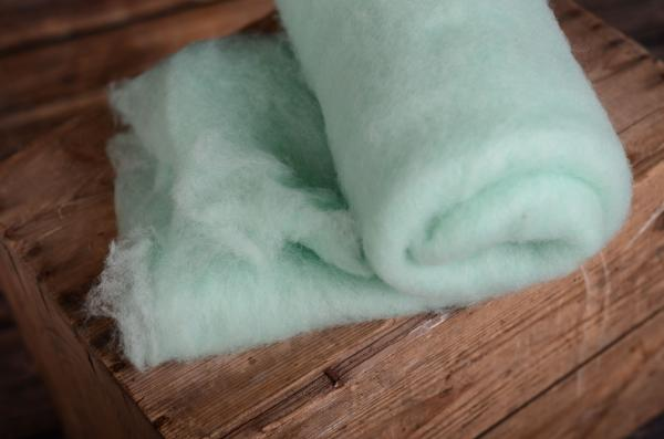 Light aquamarine natural wool blanket