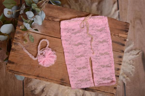 Ensemble de pantalon et coiffure en dentelle rose