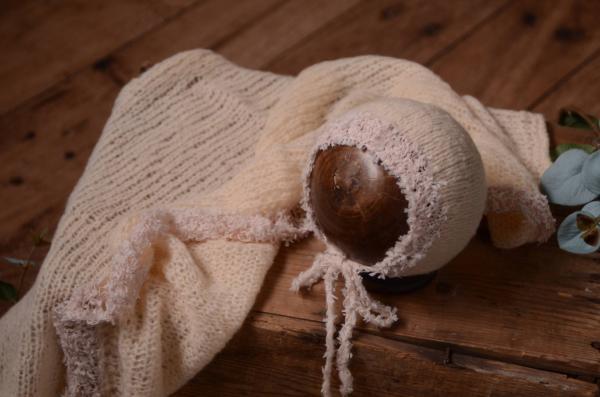 Set Wrap und Mütze aus Angora Fantasie in Beige