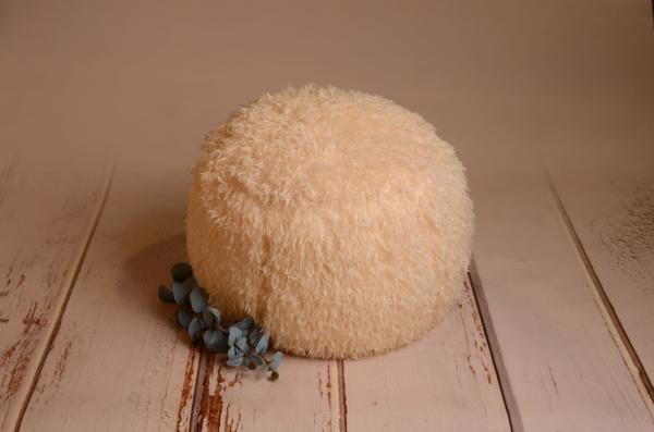 Beige cover for multiposition puff with feathers