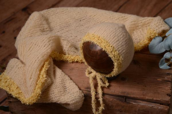 Set Wrap und Mütze aus Angora Fantasie in Hellgelb