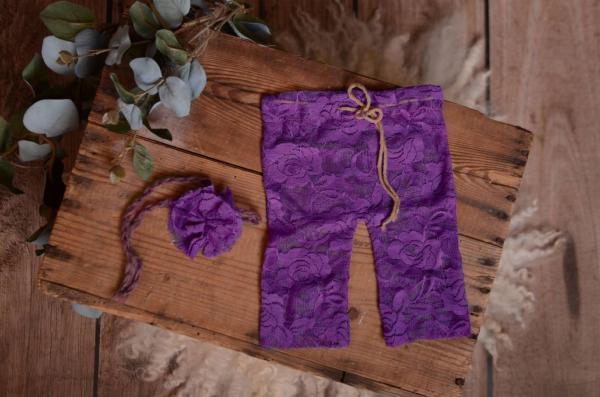 Ensemble en dentelle pantalon et coiffure violet foncé