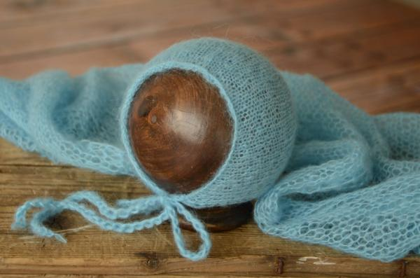 Turquoise mohair wrap and hat set