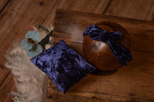 Stirnband mit kleinem Kissen aus Samt in Blau