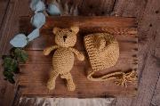 Set de gorrito y peluche de oso camel