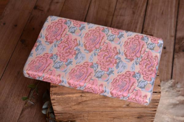 Mattress with pink flowers cover