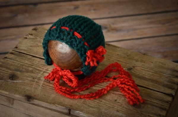 Red and green wool bonnet