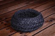Cesta de lana trenzada morado oscuro
