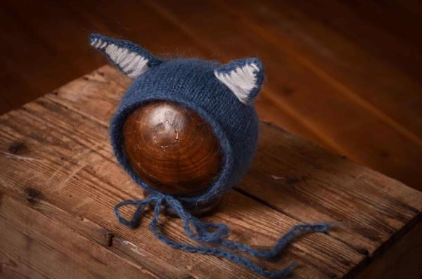 Dark blue hat with cat ears