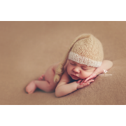 Beige and white mohair hat with knot
