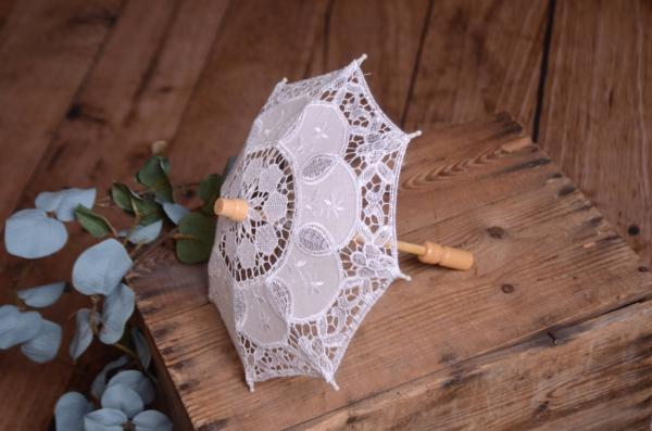 Parasol pour le soleil blanc