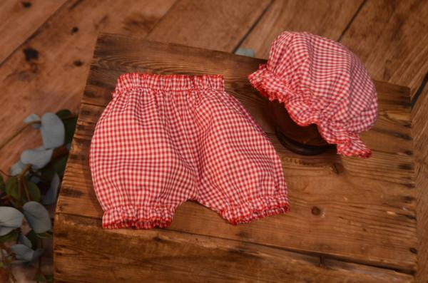 Red bath hat and pants set