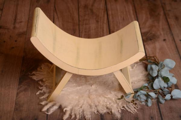 Light yellow asymmetrical rustic bench 50 cm