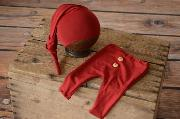 Pack red wine smooth trousers and long hat