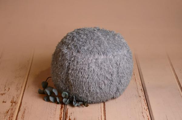 Bluish grey cover for multiposition puff with feathers