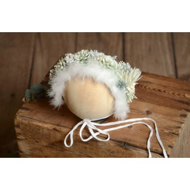 White and green flower baby bonnet