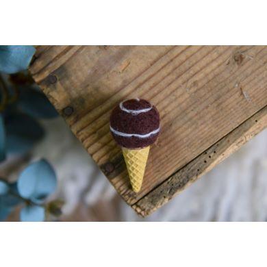 Cono gelato marrone e bianco