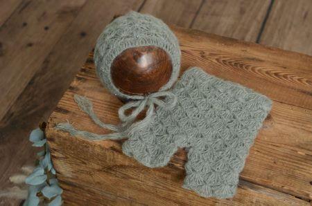 Completo di angora pantalone e berretto con perle grigio