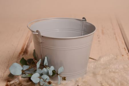 Light grey bucket
