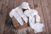 Set wrap, bonnet et pyjama en maille blanc