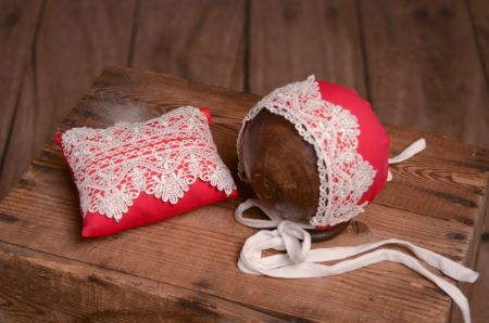 Red and white bonnet and minipillow set