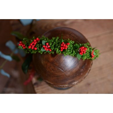 Green and red flower crown