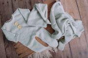 Set Wrap, Mütze und Pyjama aus Stickstoff in Steingrau