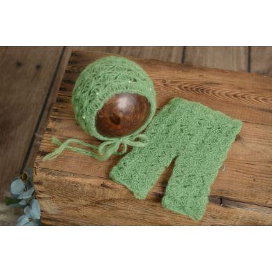 Conjunto de angora pantalón y gorro con perlas verde