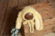 Berretto orecchie coniglio pelo giallo