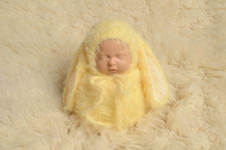Yellow rabbit sack and hat set