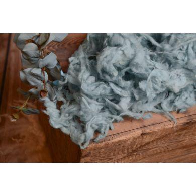 Lana suelta gris azulado