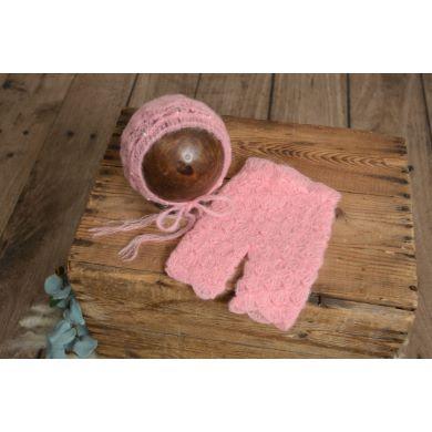 Conjunto de angora pantalón y gorro con perlas rosa